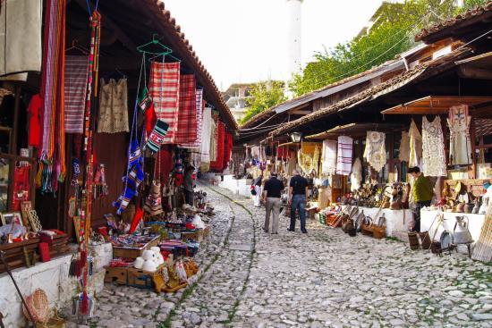 Skanderbeg's town tour